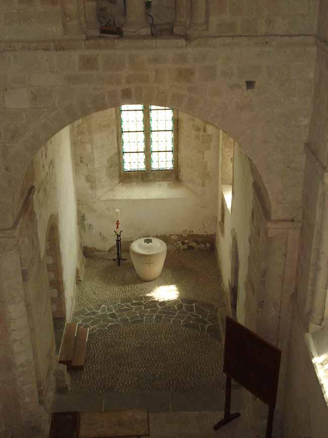 Vue du baptistère de l'Abbaye de Lessay