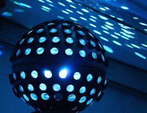 Boule disco pour danser la nuit