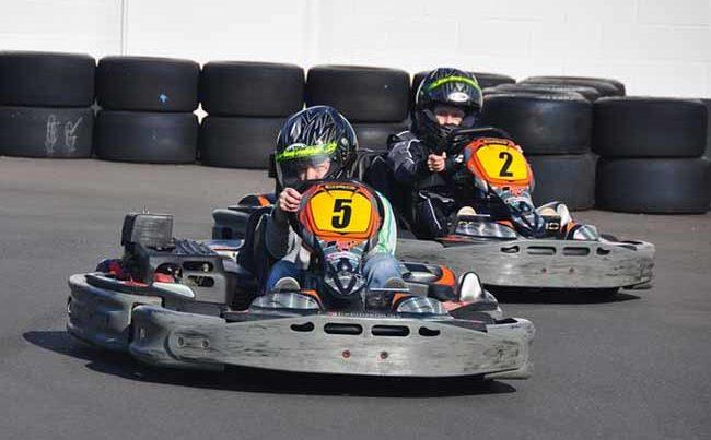 Une course de karting sur le circuit de la Manche à Lessay