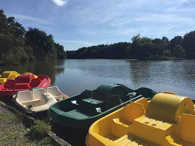 Activité pédalos aux étangs des Sarcelles