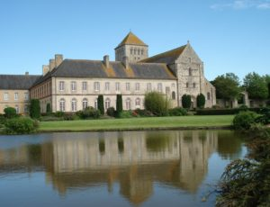 Abbaye-de-Lessay-4