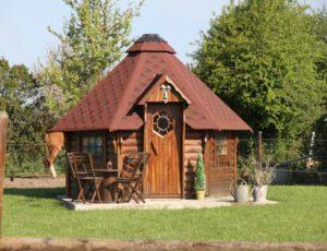 Bolleville-Ecurie-Leseigneur-Chevaux-et-Anes-cabane-des-elfes