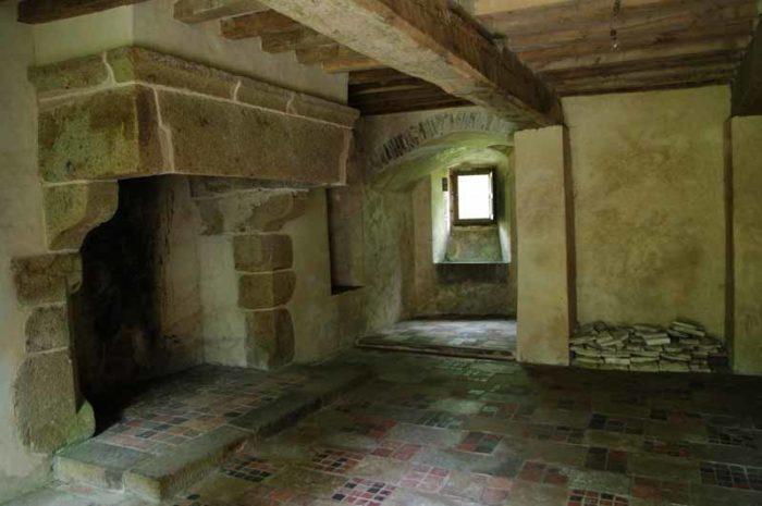 Pirou-Chateau-Fort-05-27–9–V.-Parmentier-Thebault