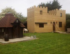 bolleville-chateau-medieval-en-bois-1