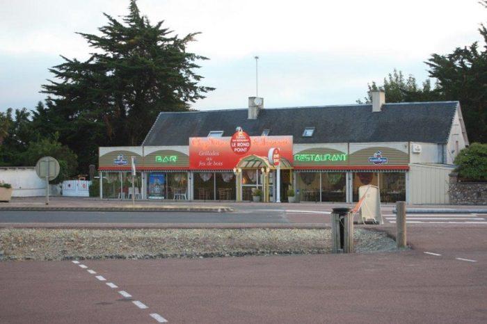 lessay-le-cafe-du-rond-point