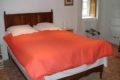 saint-patrice-de-claids-meuble-la-guerrie-chambre-orange