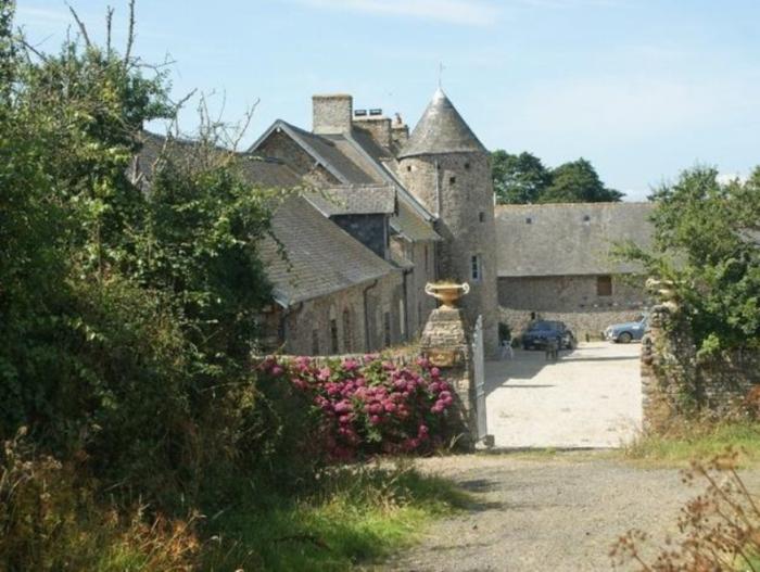 saint-remy-des-landes-meuble-domaine-de-la-besliere-2pers-1
